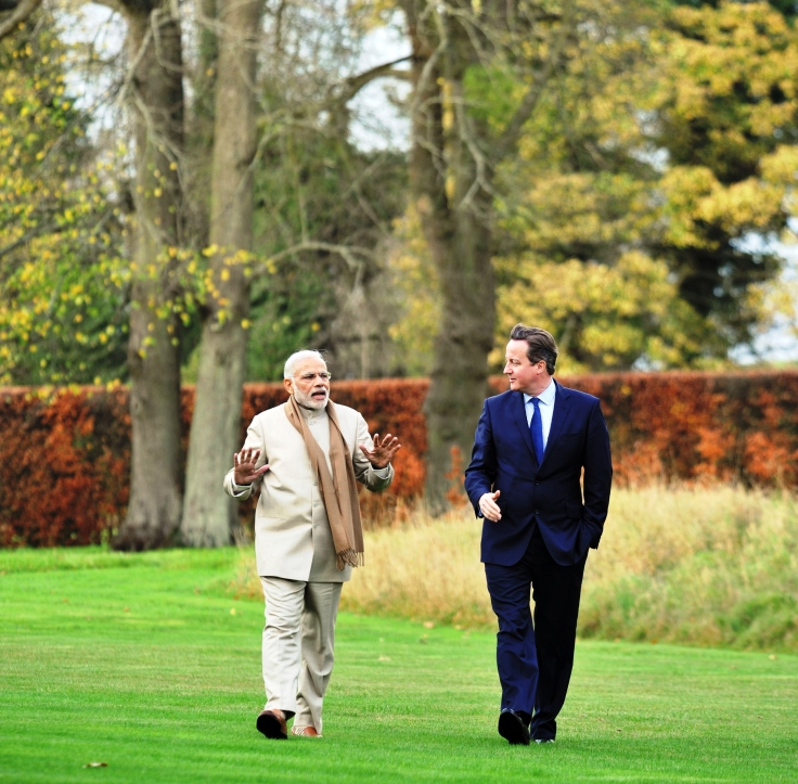 0.71012800_1447917217_13-pm-modi-n-david-cameron-at-private-tete-a-tete-at-chequers-5