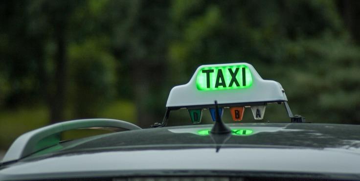 taxi-1161124_1280