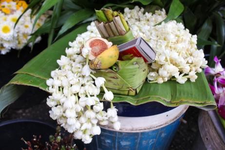 Thai-temple-offerings-betel-nut-jasmine-tobacco-960x640.jpg