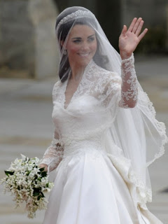 kate-middleton-wedding-dress-sarah-burton-3