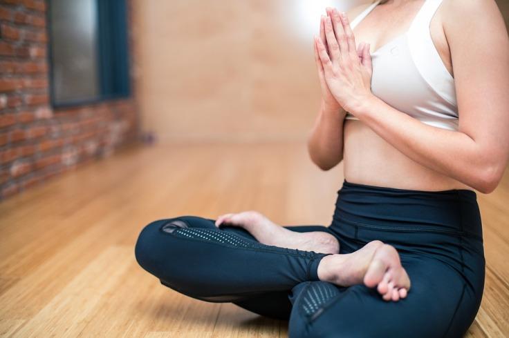 yoga-3053488_960_720.jpg